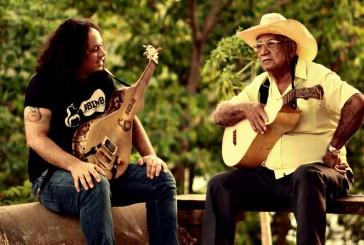 A Guitarra-de-Cocho de Caio Espíndola