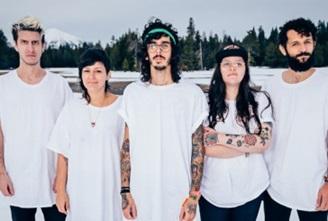 O novo álbum da Far From Alaska será lançado oficialmente nesta sexta-feira